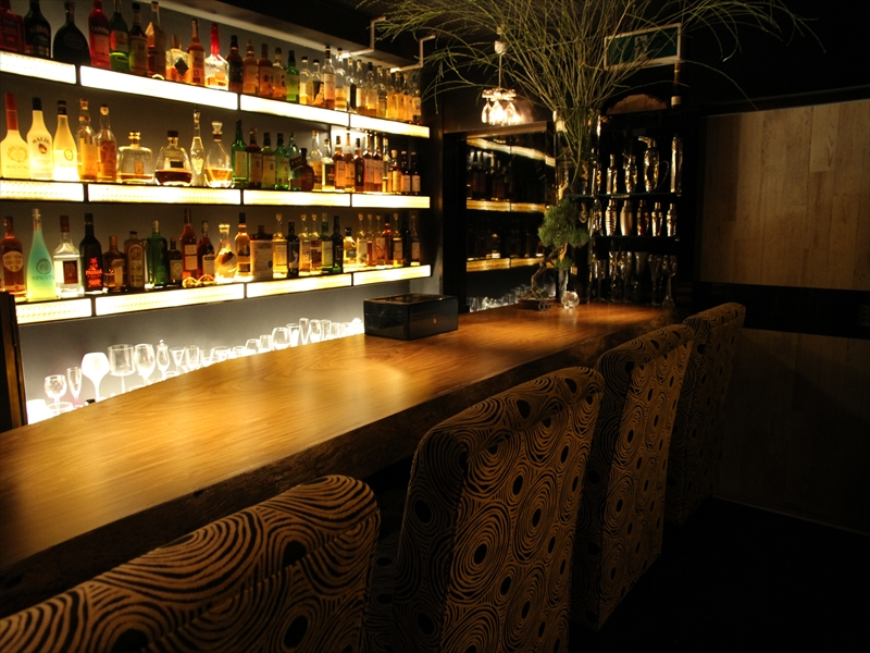 bar YOSHIZO
